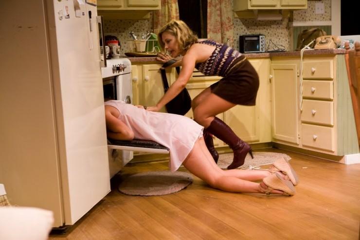 Sandy Rustin (Babe - in oven), Lisa Datz (Meg)
