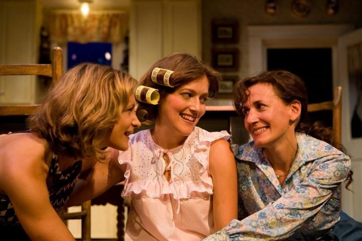 Lisa Datz (Meg), Sandy Rustin (Babe), Janet Metz (Lenny)