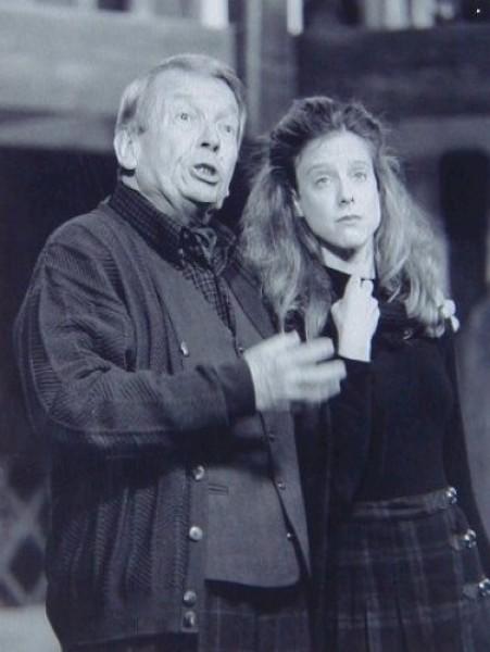 Tom Roland (Selsdon), Stacey Branscombe (Poppy)