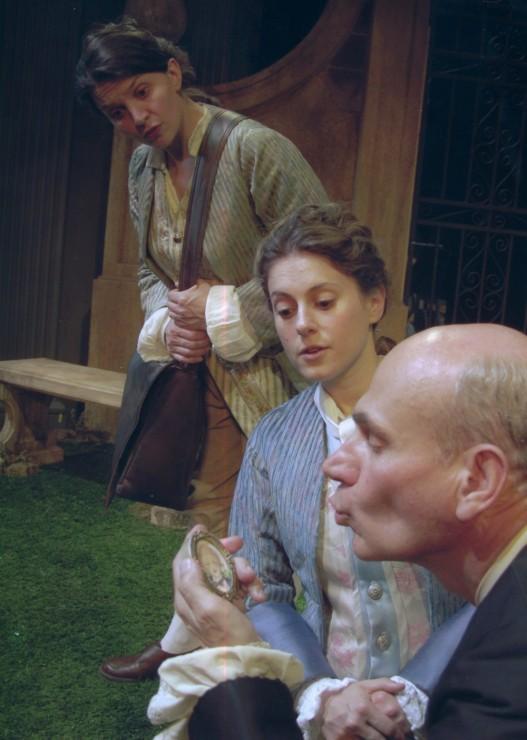 Corine (Antoinette Lavecchia), Leonide (Ali Marsh), Hermocrate (Peter Kybart)