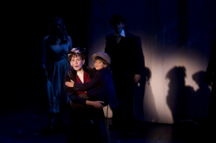 Janet Metz (Hannah), Danny Hallowell (Young Charlie)