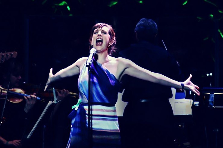Julia Murney belting it out
